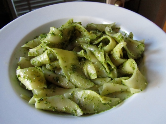 pesto-walnuts-food-processor-fresh